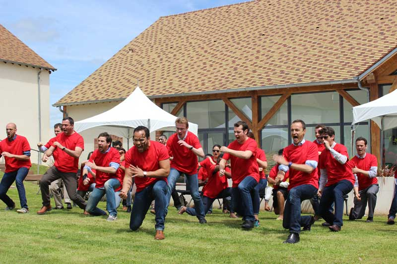 Team-building Maori Haka-building